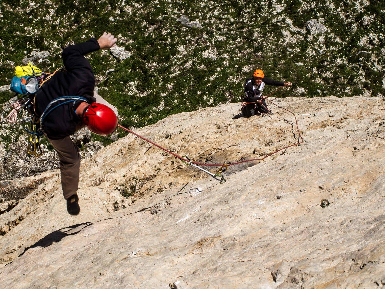 "Climbing on ""c'est pls facile"" Ra Gusela, gruppo Scoiattoli Cortina"