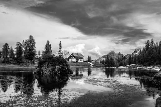 Rifugio Croda da Lago from lago di Federa