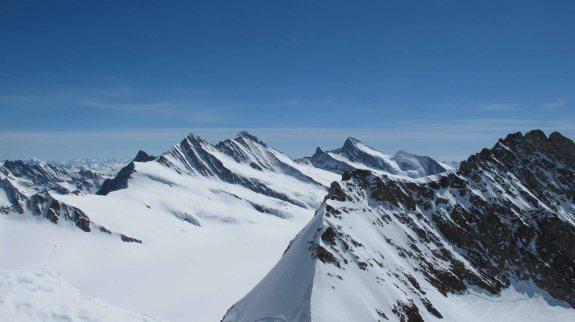 Berner Oberland skitour: view toward the Fiesherhorn