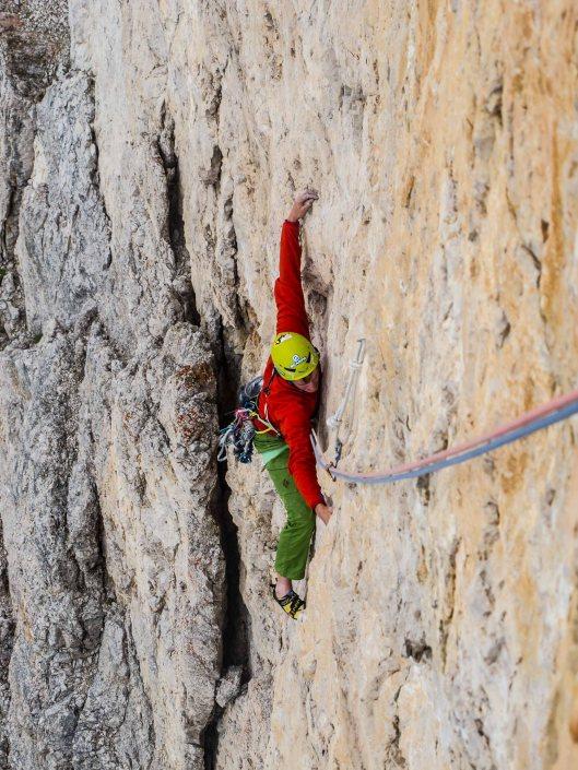 simone corte pause climbing the route alpenrose on tre cime di lavaredo