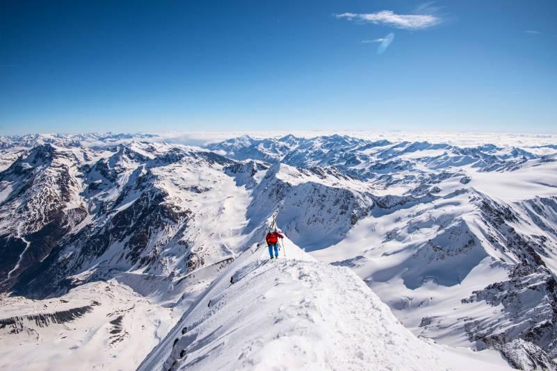 approaching the summit of Gran zebrù skitour
