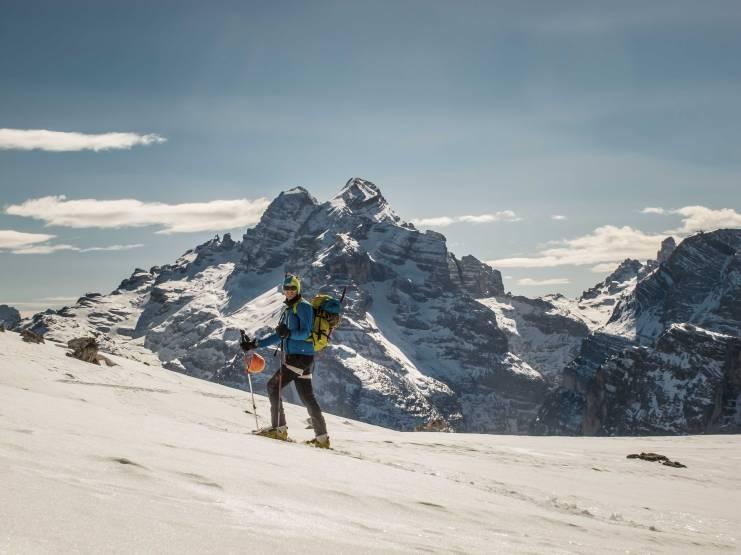 skitouring croda rossa d'ampezzo view on tofane