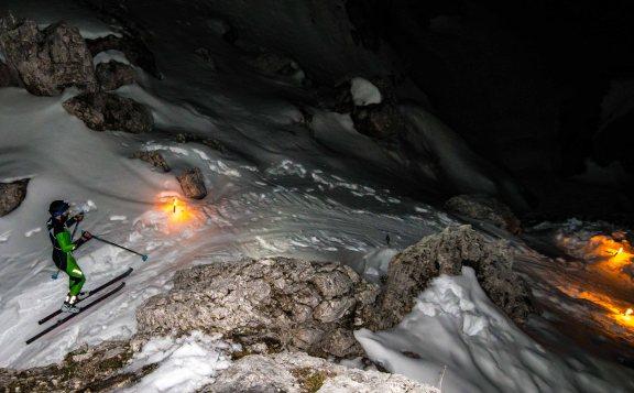 Scialpinismo in notturna alle 5 Torri alla luce delle fiaccole