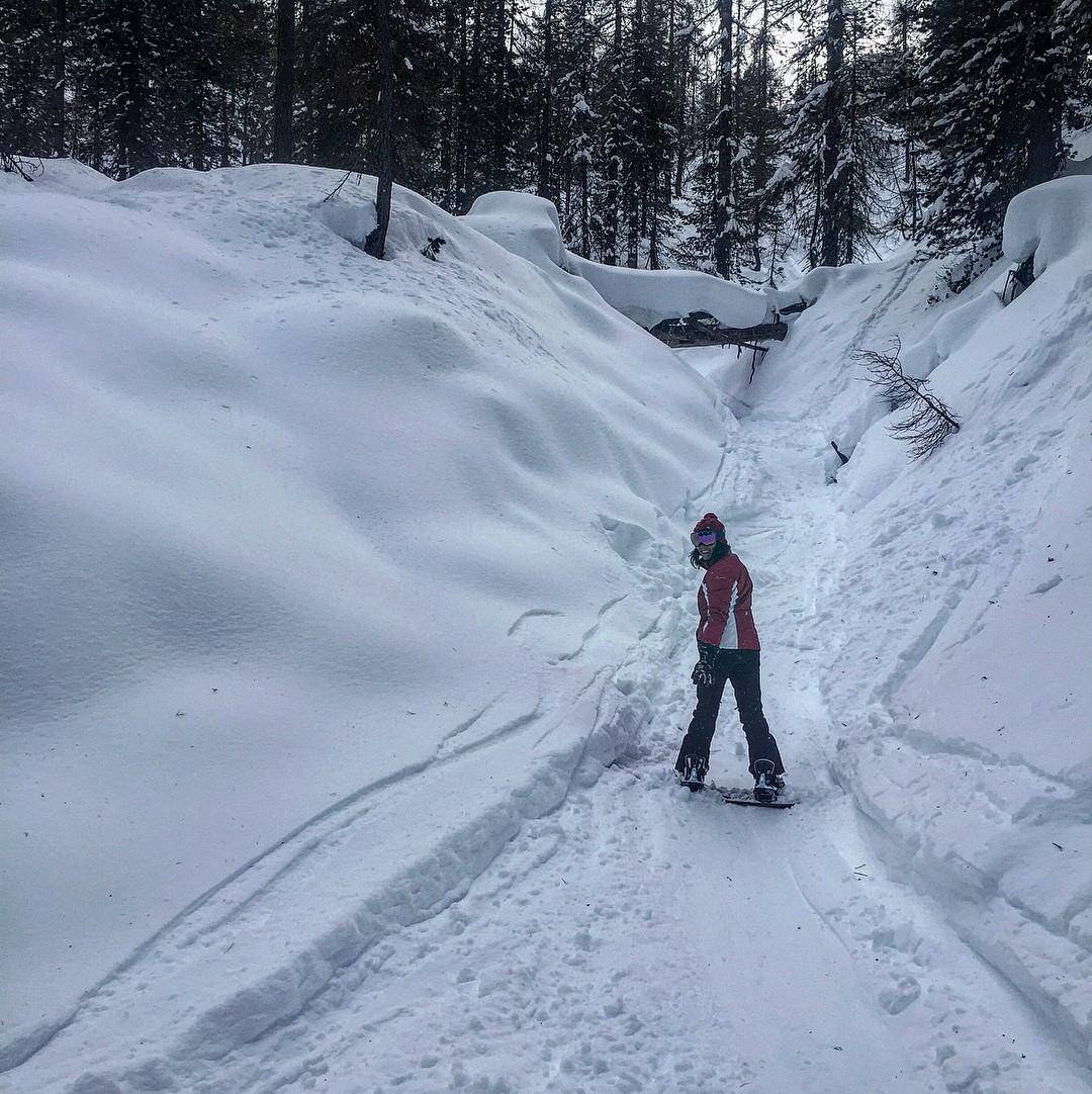 Giulia learns freeride in Faloria