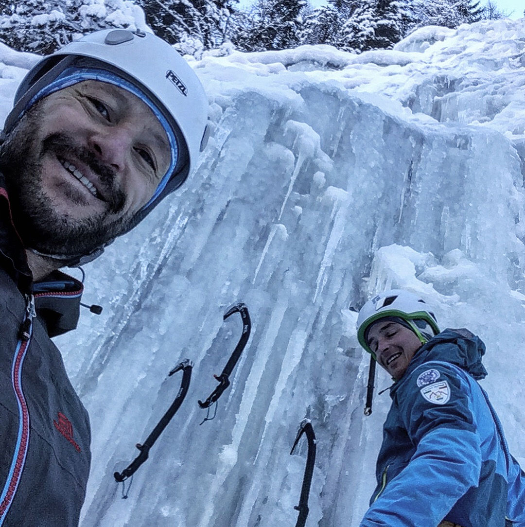 Iceclimbing in val di Landro