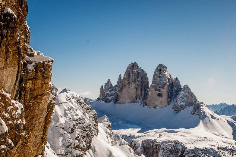 Panorama invernale con le Tre Cime di lavaredo