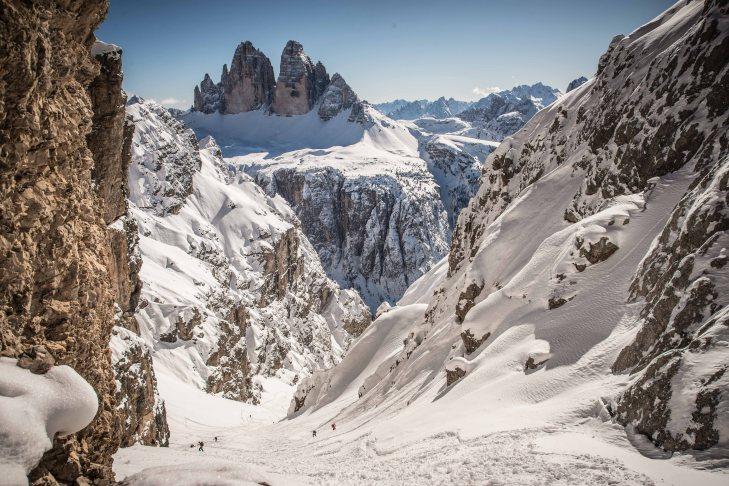 scialpinismo a forcella Rudo con vista sulle Tre Cime