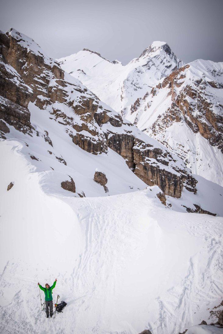Scialpinismo a forcella Camin con il Sasso delle Nove e Sasso delle Dieci alle spalle.