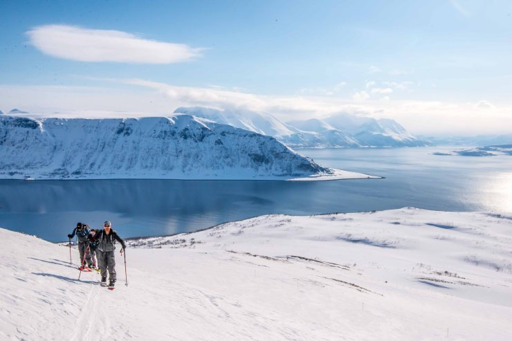 Spltboarding above the fjord. Arnøya.