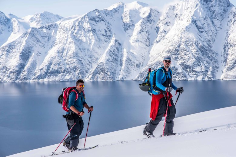 Skitourong to the Storhaugen, a nice and easy skitouring with an amazing view on Lyngen Alps.