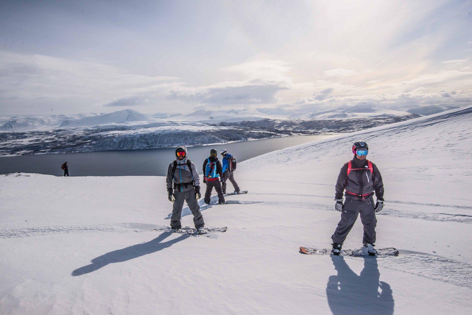 Snowboarding to Trømso fjord.